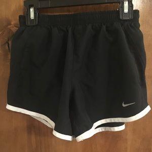 Nike pro shorts size kids medium